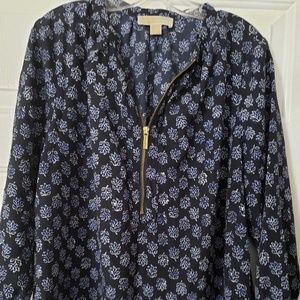 Navy/white 3/4 sleeve length blouse w/zipper